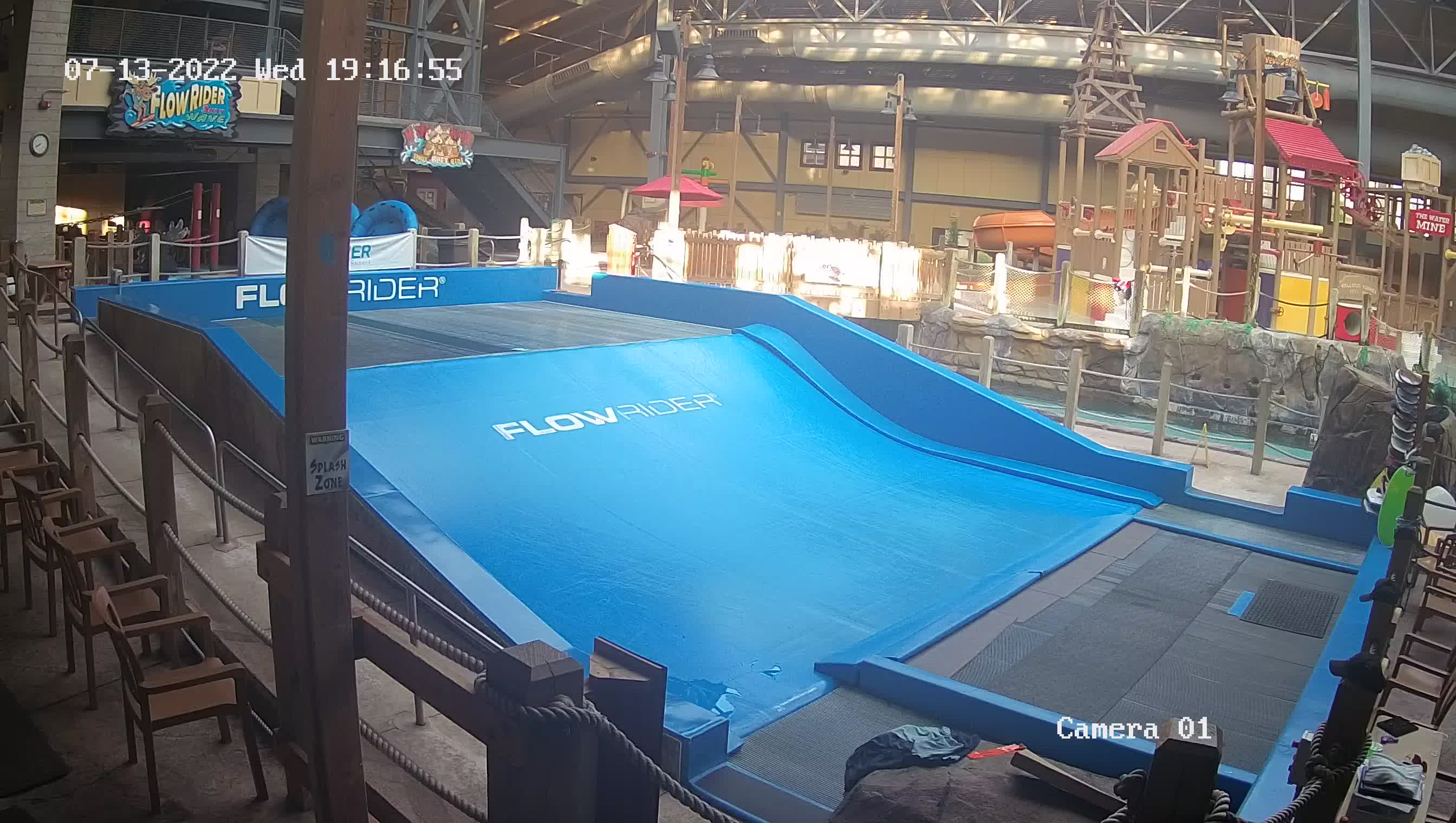 Silver Rapids Indoor Waterpark webcam